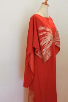 70年前の訪問着の朱赤のドレス・・・・日本の赤の力