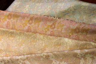 色ドレス・・・・日本の絹の色の美しさ